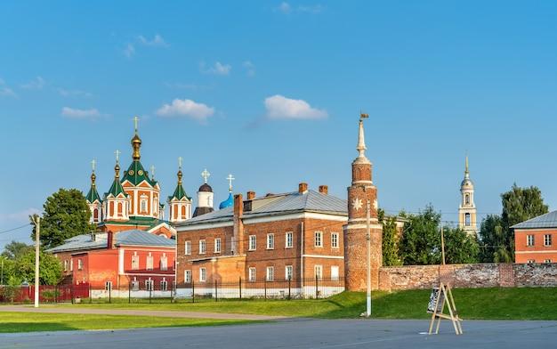 Klasztor wniebowzięcia brusienskiego w kołomnej, złotym pierścieniu rosji