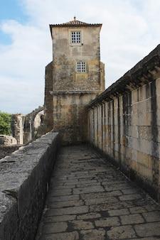 Klasztor zakonu chrystusa jest budynkiem religijnym i rzymskokatolickim w tomar w portugalii