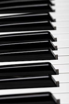 Klawisze pianina. fajna ilustracja do kreatywnego projektowania.
