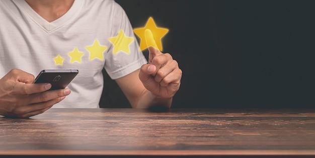 Klienci przyznają pięciogwiazdkową ocenę zadowolenia z usług