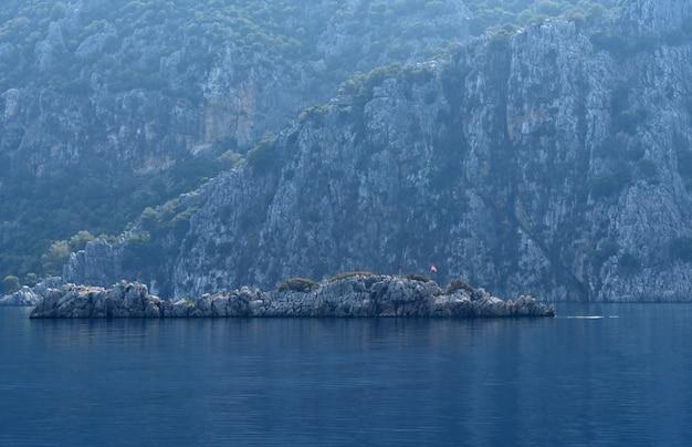 Klify na wybrzeżu morza
