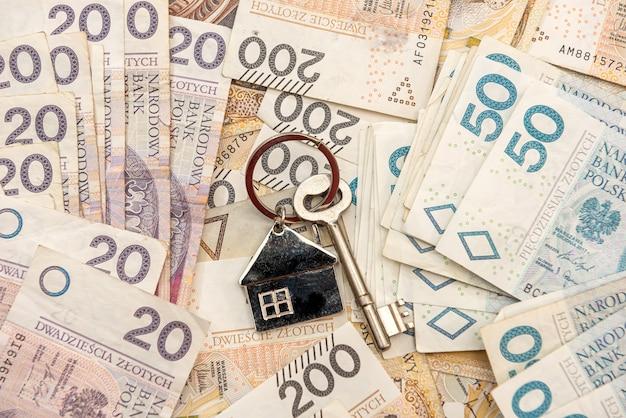 Klucz do domu lei na polskie pieniądze, pln. koncepcja nieruchomości