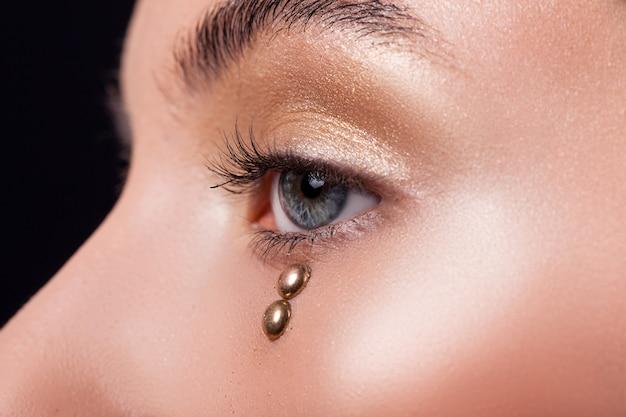 Kobiece oko makro piękno, czarne rzęsy i brwi
