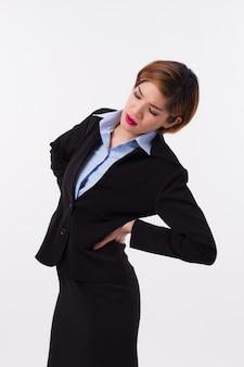 Kobieta cierpi na ból pleców