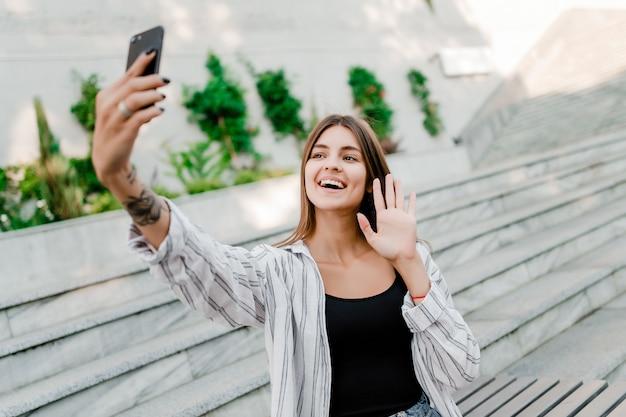Kobieta co selfie