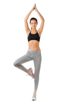 Kobieta fitness pełnej długości