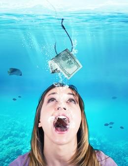 Kobieta jak ryba łapie przynętę