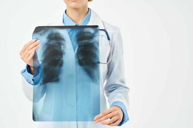Kobieta lekarz medycyna leczenie pracownik służby zdrowia