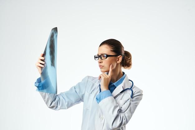 Kobieta lekarz suknia medyczna badanie szpitalne