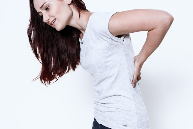 Kobieta ma ból w plecach