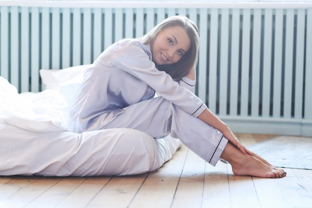 Kobieta na łóżku