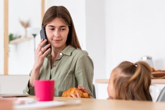 Kobieta na telefon