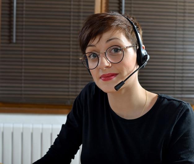 Kobieta obsługi klienta