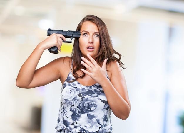 Kobieta próbuje samobójstwa