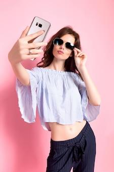 Kobieta przy selfie