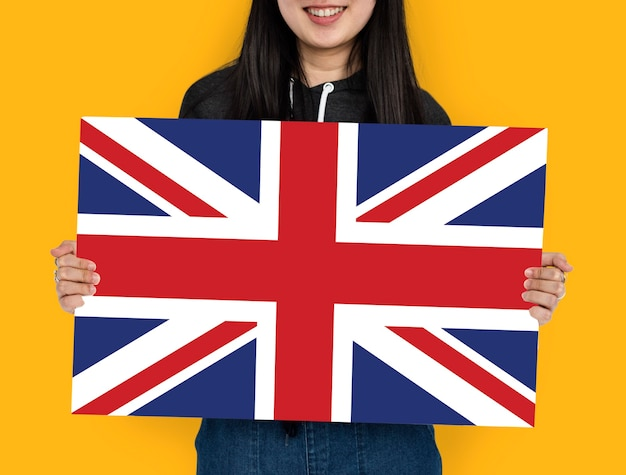 Kobieta Ręce Trzymają Anglia Flaga Wielkiej Brytanii Patriotyzm Premium Zdjęcia