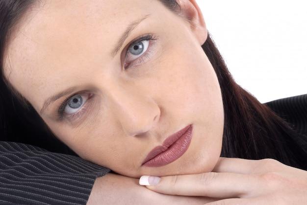 Kobieta relaksująca i gapiąca się