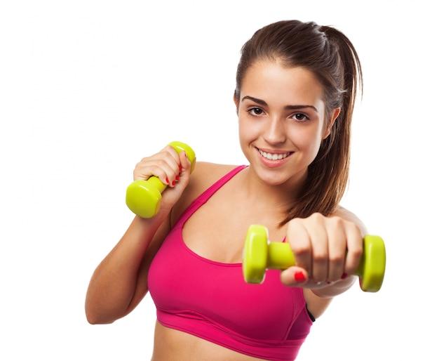 Kobieta robi sportu
