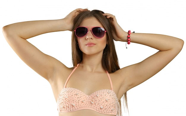 Kobieta w bikini i okulary przeciwsłoneczne