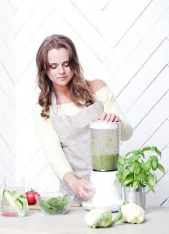 Kobieta w kuchni