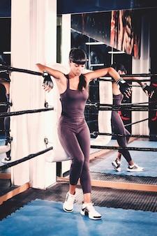 Kobieta w rogu ringu