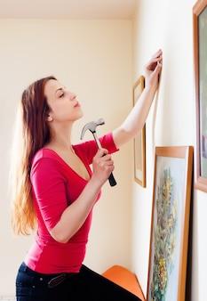 Kobieta wiszące obraz sztuki