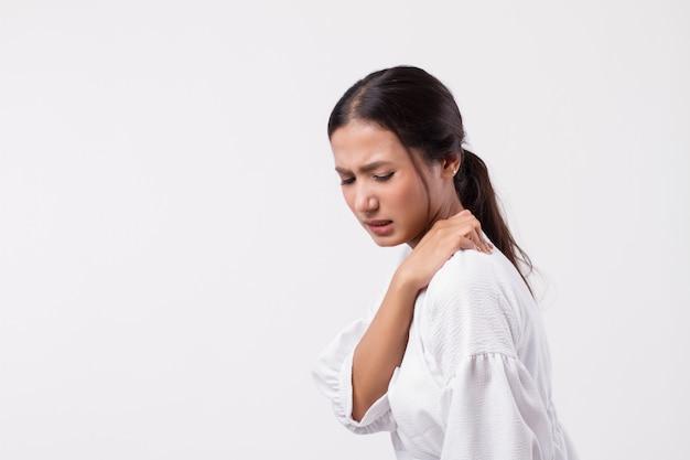 Kobieta z bólem barku lub karku, sztywnością, urazem