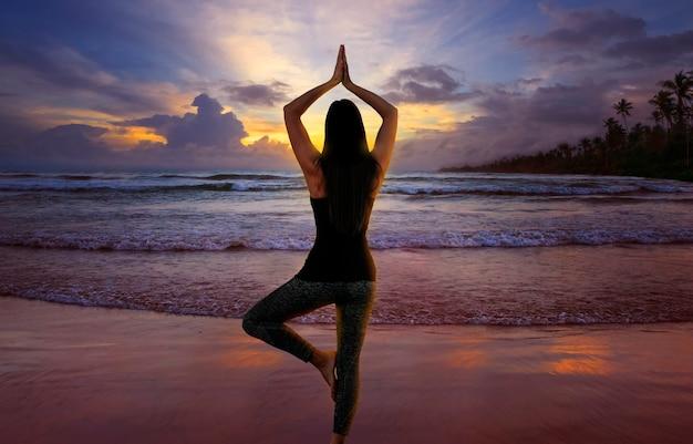 Kobieta z jogą medytacyjną