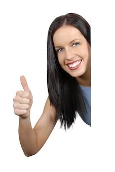 Kobieta z kciukiem do góry