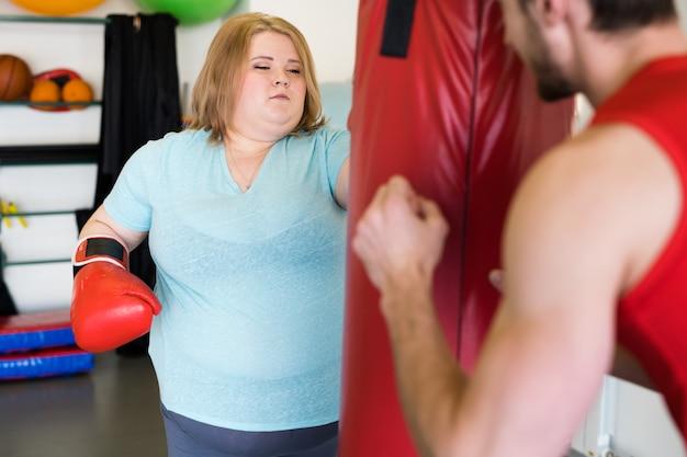 Kobieta z nadwagą, poćwiczyć