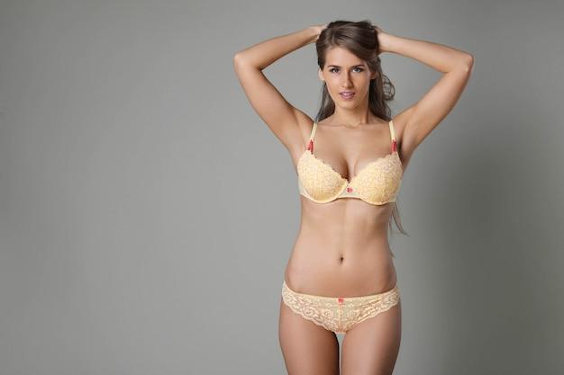Kobieta z pięknym ciałem
