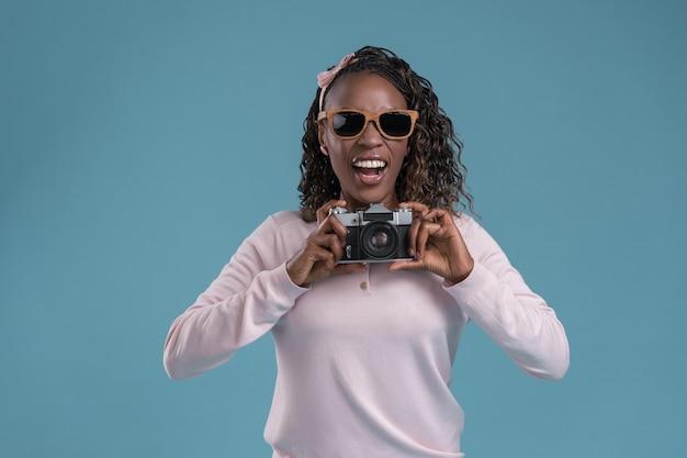 Kobieta za pomocą kamery