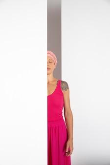 Kobieta zdrowiejąca po raku piersi