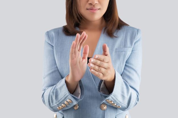 Kobiety klaszcze w dłonie.