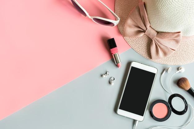 Kobiety kosmetyki i element mody z miejsca na kopię