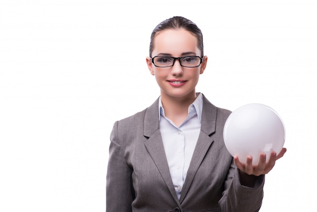 Kobiety mienia crystal piłka odizolowywająca na bielu
