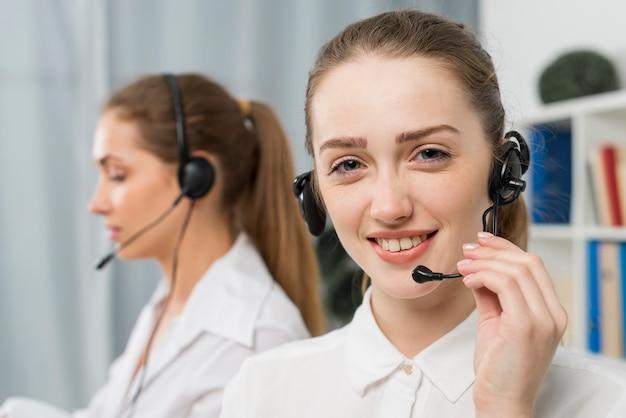 Kobiety pracujące w call center