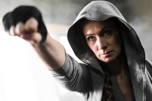 Kobiety szkolenie w boksu centrum zakończeniu