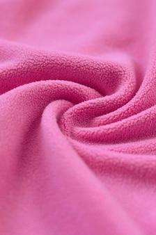 Kocyk z futrzanej różowej tkaniny polarowej