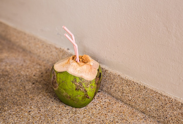Kokos na podłodze