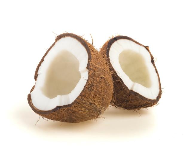 Kokos pokrojony na pół