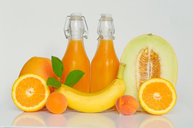 Koktajl. pomarańczowy owocowy smoothie