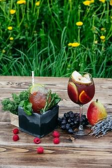 Koktajle owocowe pyszne orzeźwiające letnie drinki