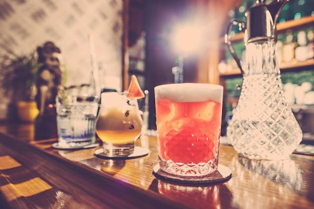 Koktajle w barze