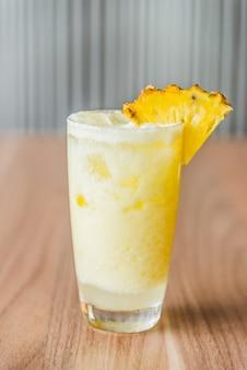 Koktajle z ananasem