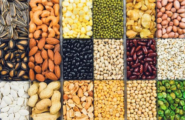 Kolaż różnych fasoli wymieszać rolnictwo z groszkiem naturalnej zdrowej żywności do gotowania składników