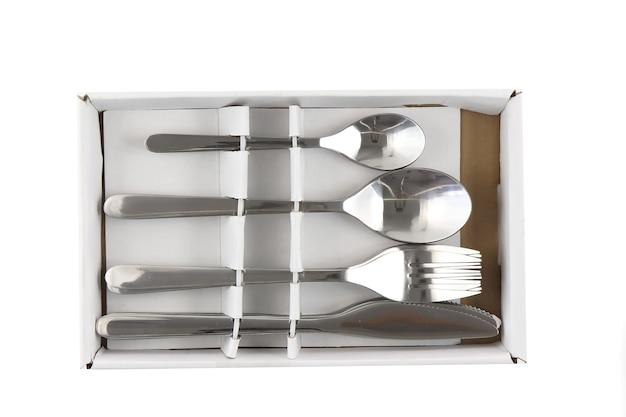 Kolaż szklanki, talerze, naczynia, sztućce, patelnie. odosobniony
