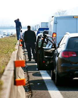 Kolejki ruchu na autostradzie