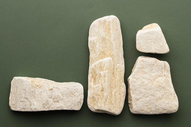 Kolekcja białego kamienia z widokiem z góry