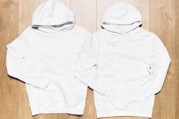 Kolekcja białej bluzy z kapturem